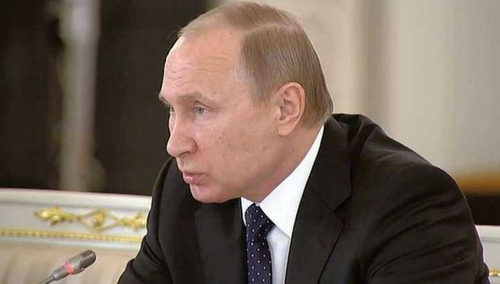 Владимир Путин согласился с тем, что выплаты зарплаты важнее, чем налоги