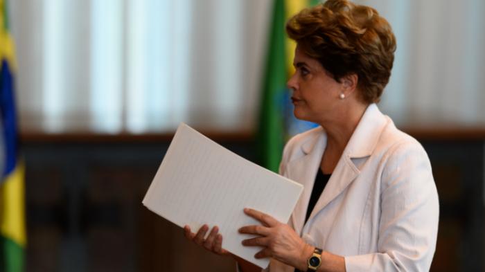 Президент Бразилии Дилма Русеф отправлена в отставку