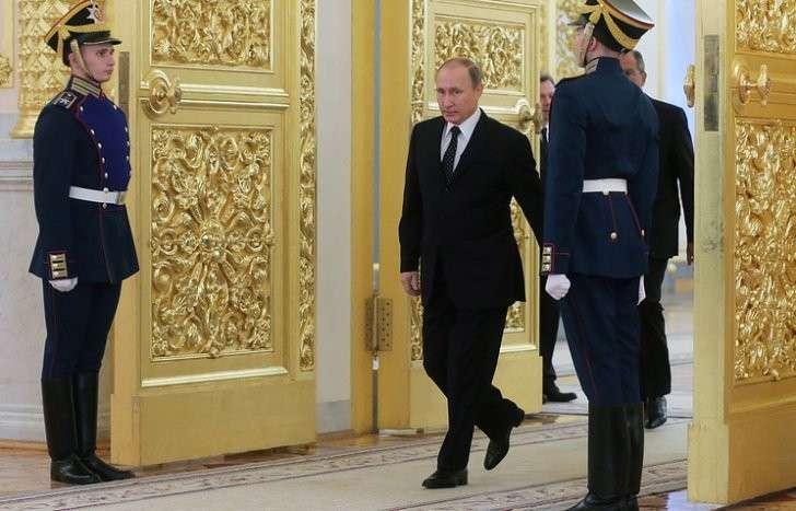 В Кремле подтвердили, что Владимир Путин провёл частную встречу со студентами Итонского колледжа