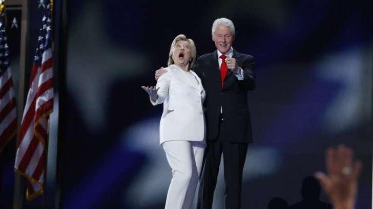 Семейный бизнес Клинтонов: высокое служебное положение в денежном эквиваленте