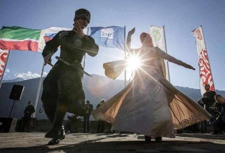 В Чечне сегодня открылись 19 новых школ 1 сентября, Сделано у нас, школа