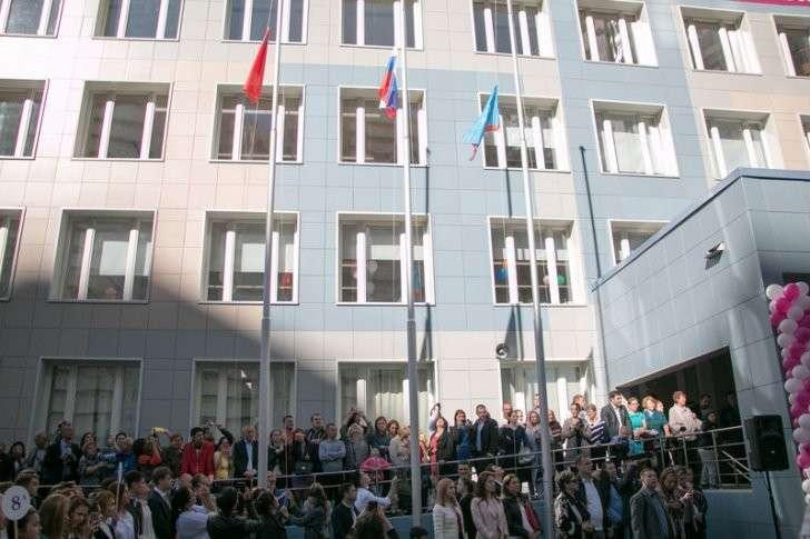 В Павшинской пойме начался учебный год в новой общеобразовательной школе №19  1 сентября, Сделано у нас, школа