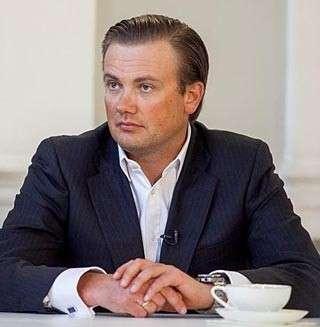 Младший Якунин продает гостинничную империю Евтушенкову