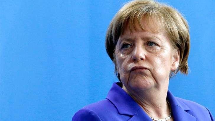 Есть ли шансы у Меркель остаться на посту канцлера Германии и добить страну?