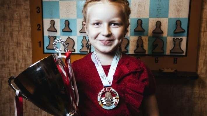 24. Девочки из России взяли «золото» и «серебро» на чемпионате Европы по шахматам Сделано у нас, политика, факты