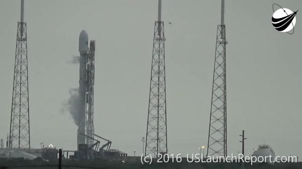 Китай взбешён приказом Обамы уничтожить ракету SpaceX со спутником AMOS-6 во время запуска во Флориде
