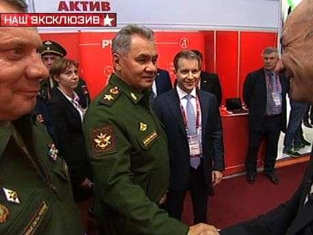 Министр обороны Сергей Шойгу пообщался с корреспондентом «Звезды» на форуме «Армия-2016»