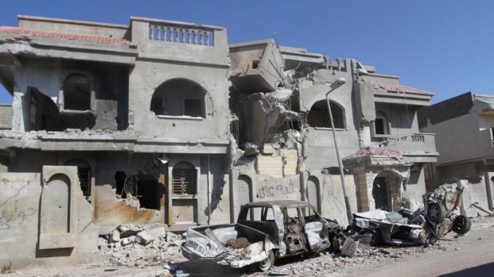 Журналисты RT прошли по следам террористов ИГ в ливийском Сирте