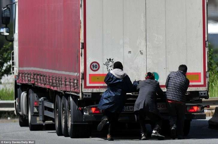 Градус кипения во французском Кале уже превышен Кале, беспорядки, мигранты