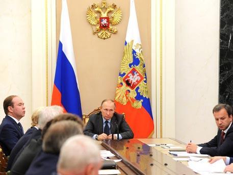 Владимир Путин распорядился ускорить восстановление разрушенного тайфуном Приморья