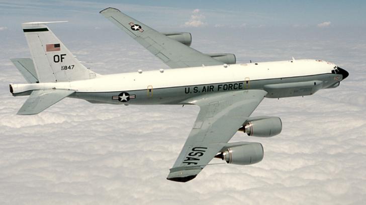 Манёвры самолётов-разведчиков США возле границ России являются провокацией