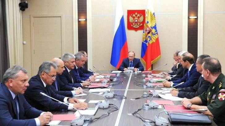 Владимир Путин провёл совещание по основным параметрам госпрограммы вооружения на 2018–2025 годы