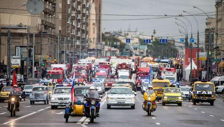 Первый Московский парад городской техники прошёл на Садовом кольце