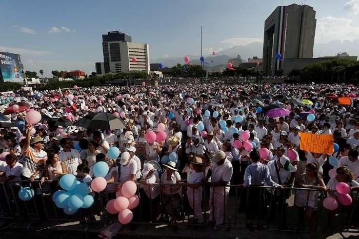 ВМексике прошли демонстрации против легализации однополых браков