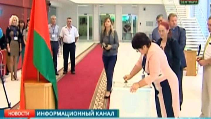 В парламент Белоруссии прорвались две оппозиционерки-разрушительницы