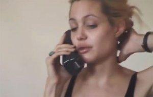 Анджелину Джоли засекли за покупкой героина. Видео