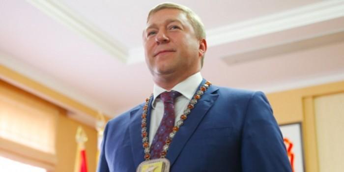 Мэр Калининграда Александр Ярощук посоветовал жителям города думать о душе, а не о поликлинике