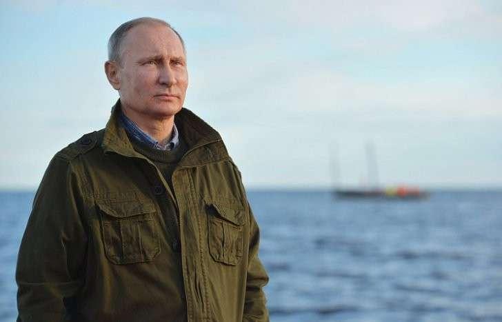 Путин прибыл вКрым на совещание президиума государственного совета