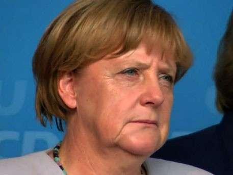 Старуху Меркель освистали в Берлине
