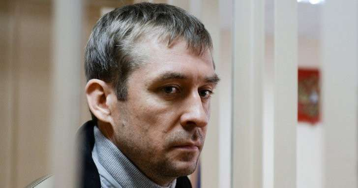 Полковник Захарченко заявил, что ему смешно находиться за решёткой