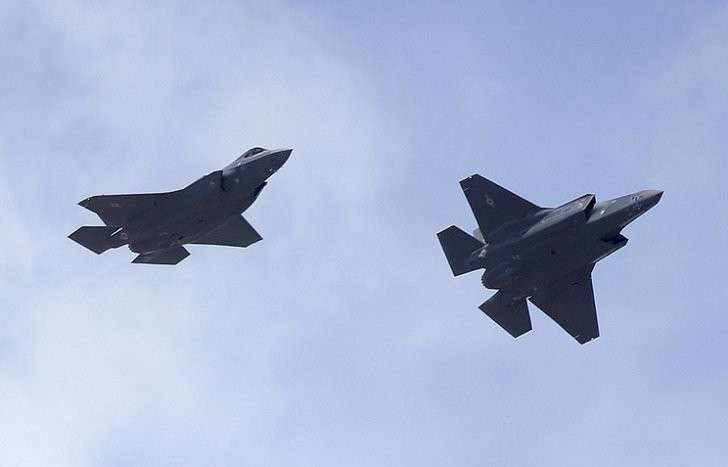 ВВС США прекратили полеты супер-пупер истребителей F-35 из-за дефекта