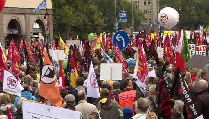 50 тысяч немцев вышли на демонстрации против убийственного соглашения с США