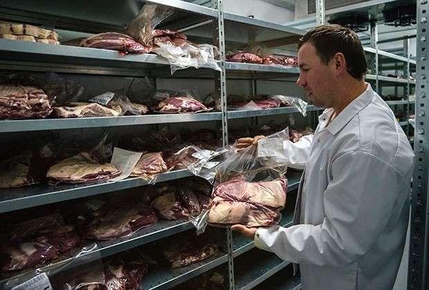 Никто не хочет есть хрящи и шкурки вместо мяса в колбасе