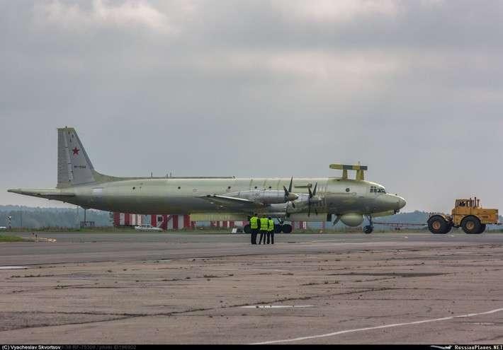 20. Очередной самолет Ил-38 для МА ВМФ прошедший капремонт и модернизацию Сделано у нас, политика, факты