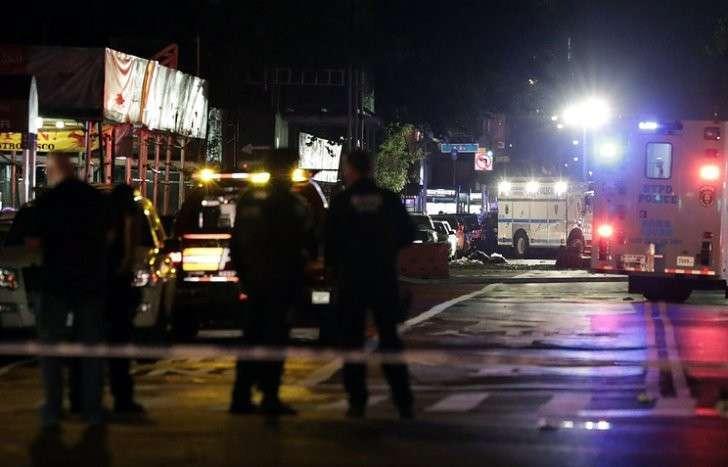 В Нью-Йорке на Манхэттене прогремел мощный взрыв