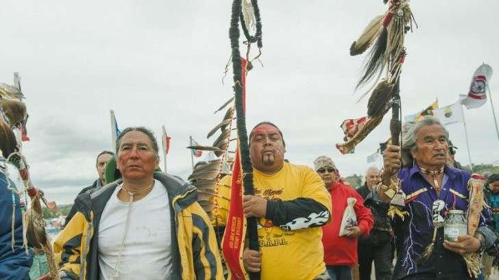 В США более 200 индейских племён борются с прокладкой нефтепровода