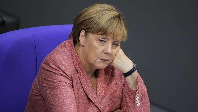 Канцлер Германии Ангела Меркель во время заседания бундестага в Берлине. Архивное фото
