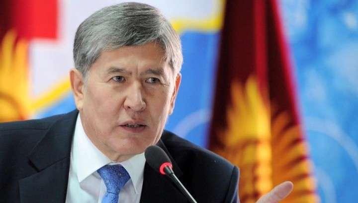 Президент Киргизии Алмазбек Атамбаев почувствовал себя плохо в Турции