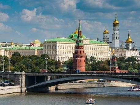 В Кремле прокомментировали обвинения в адрес России в обстреле гумконвоя в Сирии