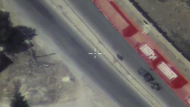 Кадры наблюдения за гумконвоем в Сирии, якобы атакованным Россией. Съёмка с беспилотника Минобороны РФ