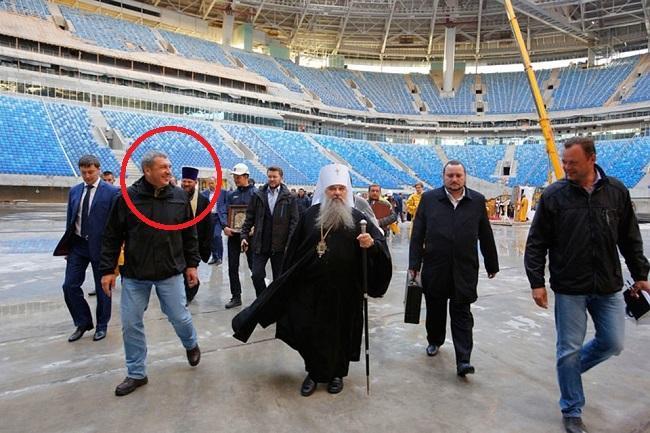 Вместо стройки - молебен за «Зенит-Арену» тупого, но хитрого вице-губернатора