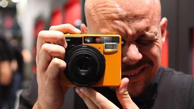 Leica для любителей – компания представила плёночную камеру мгновенной печати