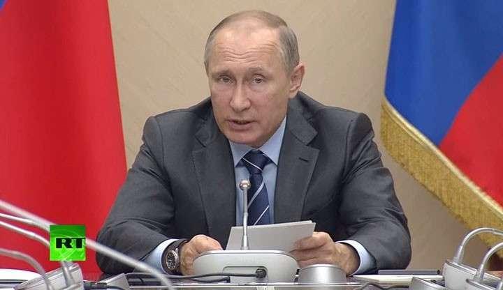 Путин заявил о необходимости освободить самозанятых граждан от налогов на два года