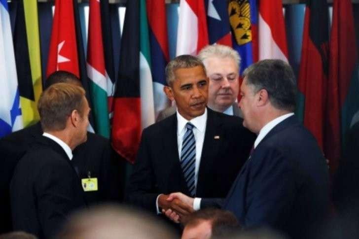 Самозванец Петруха Порошенко в США заблудился между тремя хозяевами