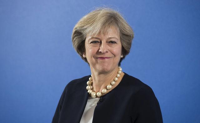 Новая англичанка тоже начала гадить - несколько слов о железной Терезе