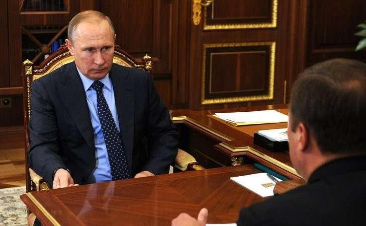 Навстрече сгенеральным директором Государственной корпорации покосмической деятельности «Роскосмос» Игорем Комаровым.