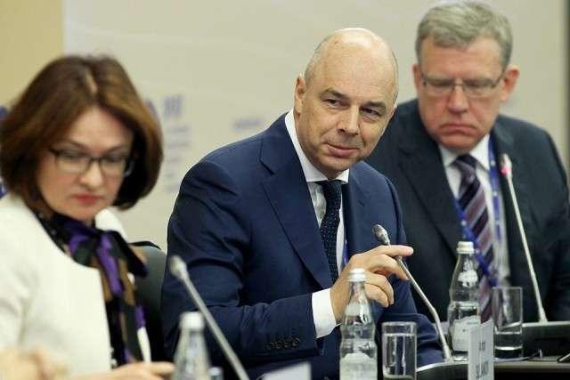 Гнида Хазин высказал своё мнение: Либералы объявили Путину ультиматум