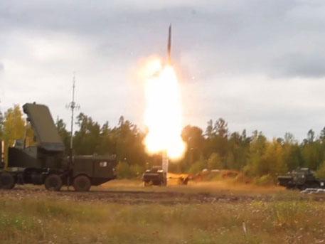 Удар «Аллигатора», высадка ВДВ и пуск С-400 в стратосферу: лучшее военное видео недели