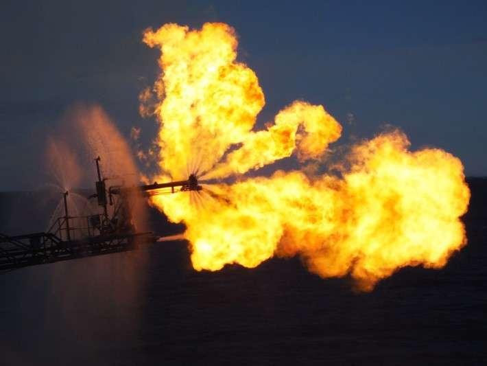 23. «Газпром» открыл новое месторождение газа на шельфе Охотского моря Сделано у нас, политика, факты