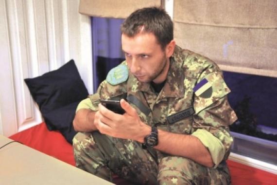 Сотник Парасюк, прогнавший Януковича, не знает и половины букв алфавита