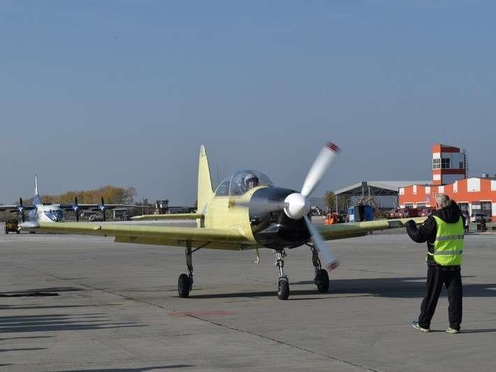 19. Учебно-тренировочный самолет Як-152 совершил первый полет Сделано у нас, политика, факты