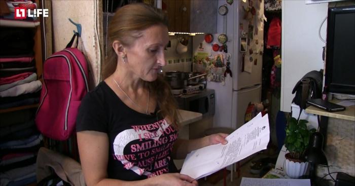 Мэрия Новосибирска отказала в жилье многодетной матери, 9 лет проживающей в подъезде на 7 квадратах