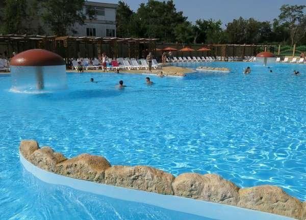 В Евпатории открылся крупнейший аквапарк Крыма