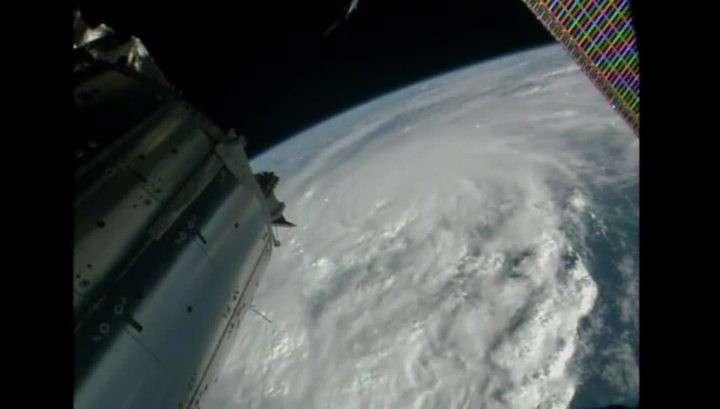 NASA показало, как выглядит ураган «Мэттью» из космоса с МКС