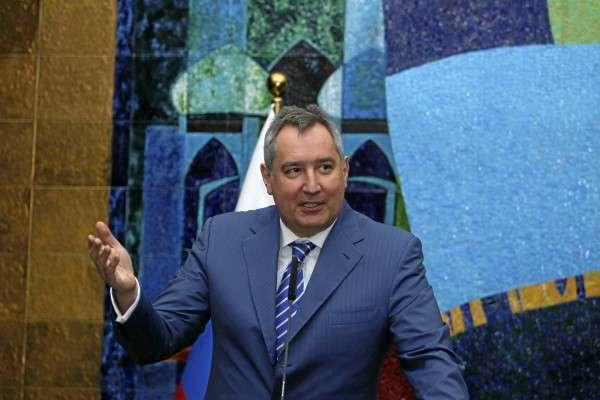 «Его зовут ФЕДОР» - Рогозин представил российского космического робота-андроида