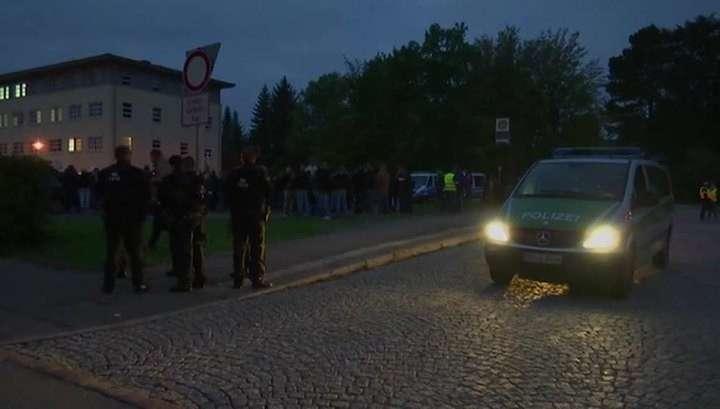«Меркель - предательница»: немцы снова протестуют против мигрантов